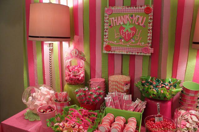 Strawberry shortcake party ideas strawberry shortcake for Decoration e