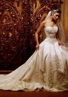 Awesome modern victorian wedding dress