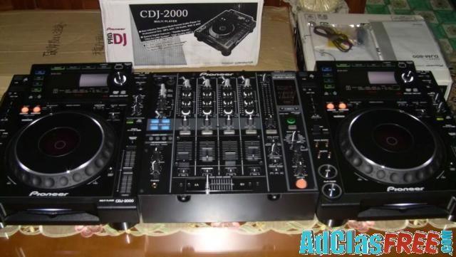 Sell 2x Pioneer CDJ-2000 and DJM-2000 MIXER