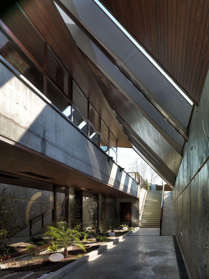 narlidere house /boran ekinci/photo @cemalemden #facade #facades #house #contemporaryhouse #izmir#contemporaryarchitecture #narlıdere #boranekincimimarlik #sinanlogie