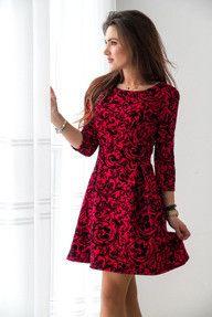 Czerwona rozkloszowana sukienka w welurowe kwiaty