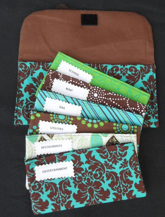 Fabric Cash Envelopes (Dave Ramsey System) For my friends who are on the envelope system :o) even better than paper!!! I SO need to make these. And then STICK TO THEM!