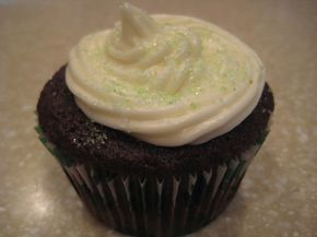 Ireland's Best via #DuncanHines Baker's Club member lollicakes.co Chocolate Guiness Stout cupcake filled with Jameson's Irish Whiskey Ganache and topped with Bailey's Irish Cream Cheese Frosting