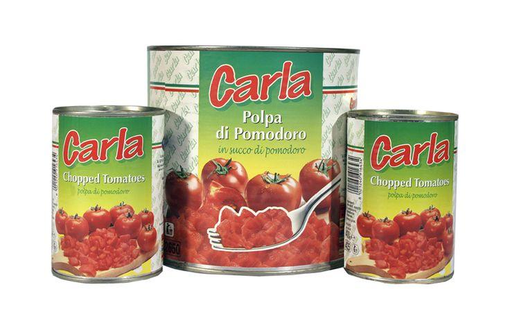 Les Tomates en dés de la marque Carla sont 100% italiennes, très riches en vitamines et très savoureuses: elles conservent les caractéristiques de la tomate fraîche qui est mis en conserve le même jour de la récolte manuelle pour préserver le goût, la couleur et le parfum de l'été italien.