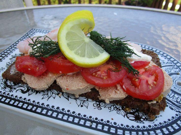 Cod Roe Open Face Sandwich - Smørrebrød med torskerogn | Recipe on Scandinavian Today YouTube Channel
