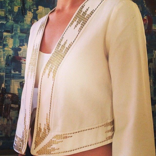 #gold #beymen#ceket#jacket#jacket#moda#luxurybrands#brand#marka#ethnic#etnik#beyaz#beyazceket#islemeli#fashion#kalite#style#quality#stil#tarz#ikinciel #secondhand #indirim#sale#satilik#outfit#kiyafet#kalite#uygunfiyat#chic#şık