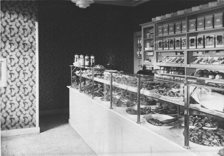 Kagedisken i butikken #karenvolf #historie #kagebager