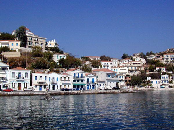 Λιμάνι Ευδήλου (Evdilos Port) στην πόλη Ικαρία