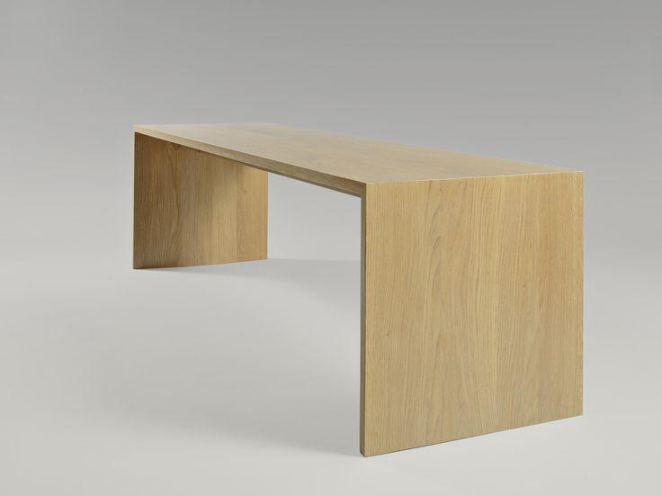 Oliver bench. Moromou