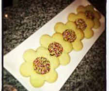 Happy flower Cookies - RecipeComunity