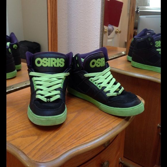 Shoes Men's Osiris Tennis Shoes.  Worn Osiris Shoes