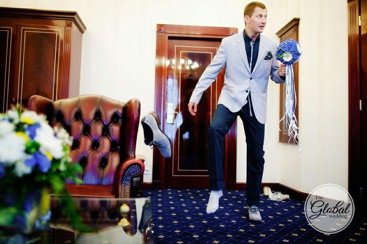 Жених. Смешные свадебные фото. Funny wedding photo