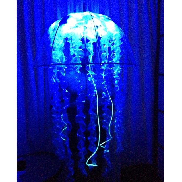 diy bioluminescent jellyfish costume finished daddy. Black Bedroom Furniture Sets. Home Design Ideas