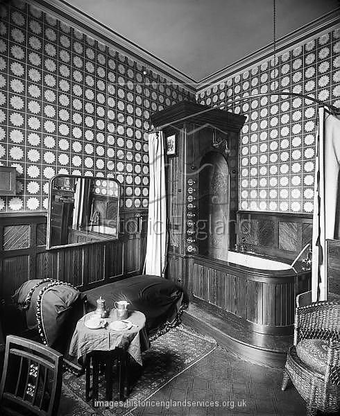 Take a look at the  Victorian bathroom interior   28 ASHLEY PLACE   Westminster  London. 1086 best Historic Bathrooms images on Pinterest   Old houses