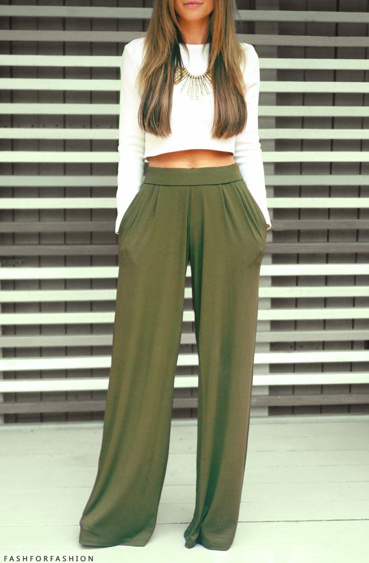 ♛This classi crpped long sleeve top with olive green kulock pants...#summerclassic!