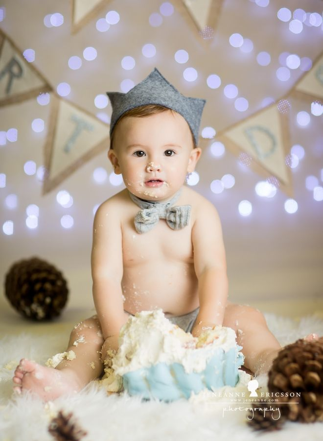 Santa rosa baby cake smash photographer jeneanne ericsson photography winter