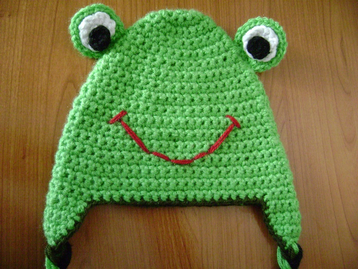 Crochet animal frog hat.