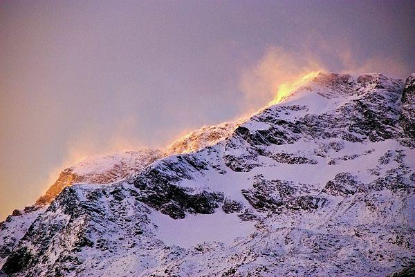 #Norway #mountains #sunrise