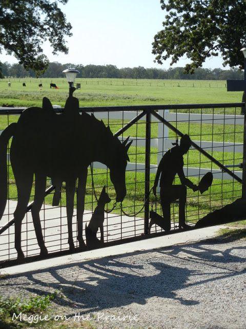 What a beautiful gate!