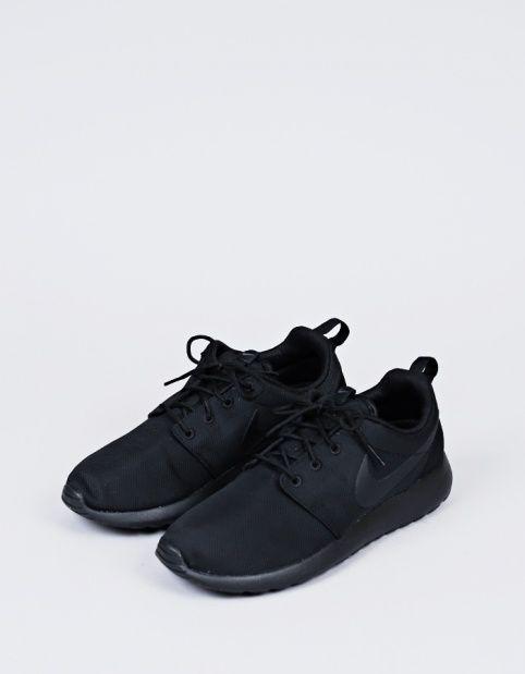 Nike Sportswear Rosherun Black - Nitty Gritty Store