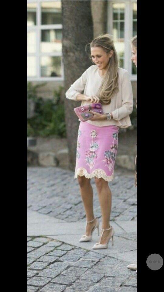 Falda encaje rosa