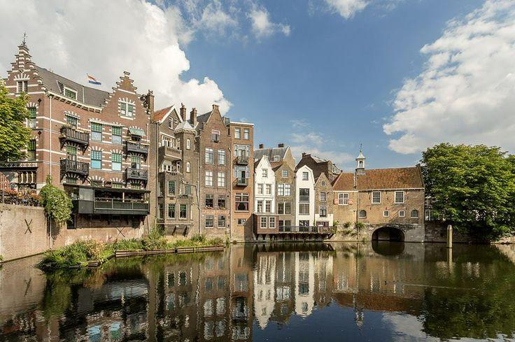 De Voorhaven in historisch Delfshaven - wie zegt dat Rotterdam geen mooie historische panden heeft!