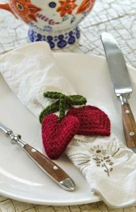 11 FREE Crochet Napkin Rings Patterns