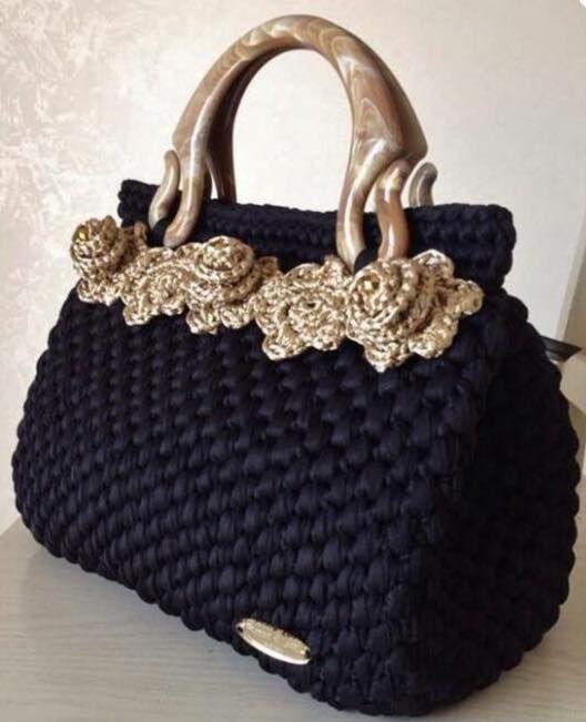 Crochet Day & Night  https://www.facebook.com/pages/ღ-Fascino-Di-Luna-ღ-Creazioni-Hand-Made-ღ/161926917332208