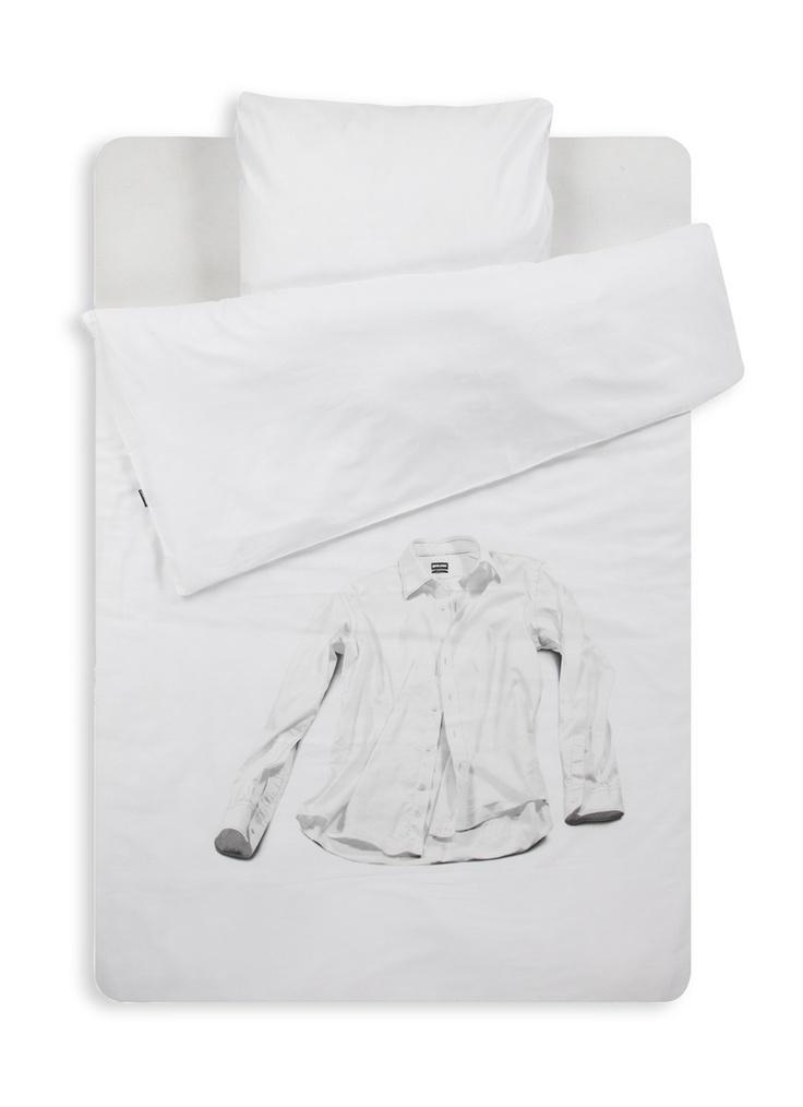 Snurk dekbedovertrekset White Laundry - Shirt in een fijne kwaliteit. Dit dekbedovertrek is voorzien van een afbeelding van een overhemd. Het kussensloop is uitgevoerd in formaat 60 x 70 cm.