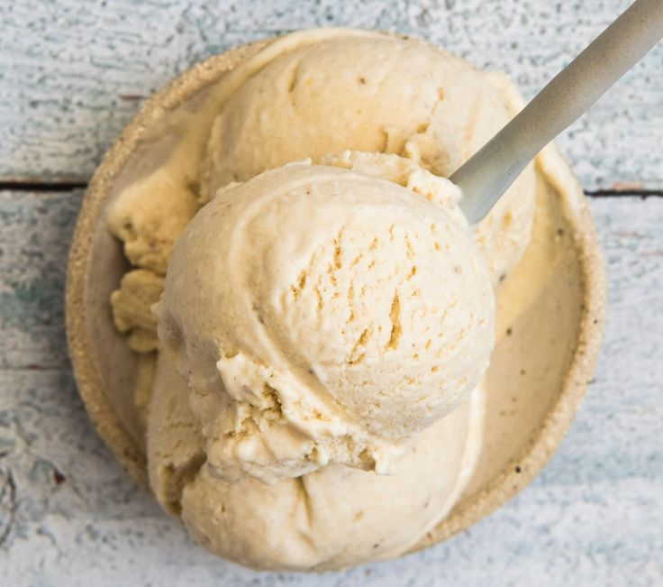 Lemon Cheesecake Ice Cream. Simple, delicious and free from gluten, grains, egg, nuts and refined sugar. Enjoy.