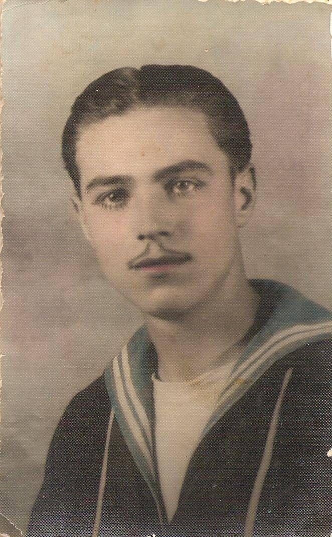 Nonno Angelo in divisa da marinaio anni trenta