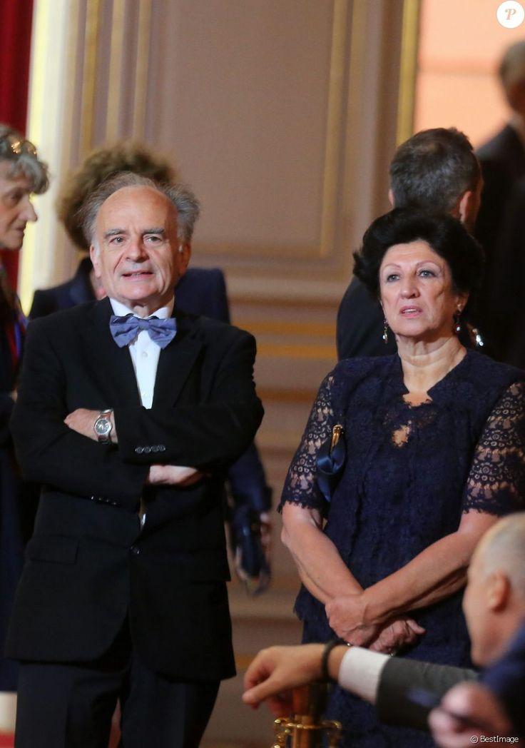 Jean-Michel Macron et Françoise Noguès-Macron - Le président Emmanuel Macron a reçu le collier de Grand maître de la Légion d'honneur dans la Salle des fêtes du...