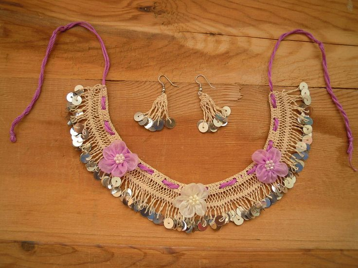 necklace+with+sequines+and+flowers+hairpin+lace+by+PashaBodrum,+$25.00