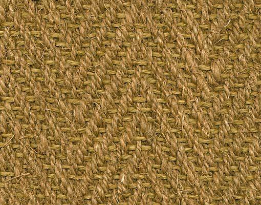 Tapijt geweven in een visgraat motief. Een van volledig natuurlijke grondstoffen gemaakt tapijt. Bestaande voor 70% uit kokos en 30% uit sisal.