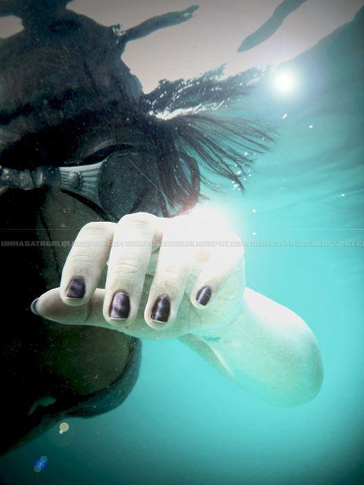 #magneticnailart Lo smalto magnetico si illumina anche sott'acqua. #pupa