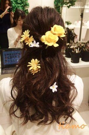 お花やティアラと合わせたウエディングスタイル♪海外リハ篇 |大人可愛いブライダルヘアメイク『tiamo』の結婚カタログ