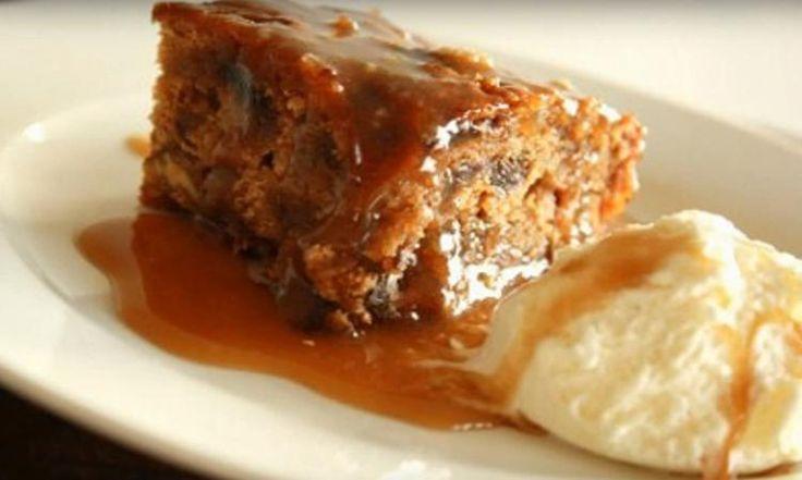 Tombez sous le charme du CÉLÈBRE gâteau aux dattes nappé d'une sauce au caramel hors de ce monde!