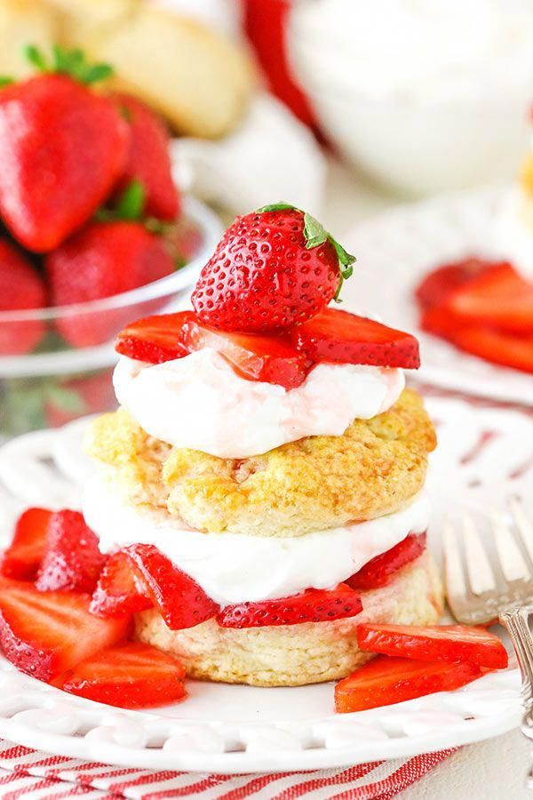 This Easy Strawberry Shortcake Recipe is as simple as it gets – homemade shortca…