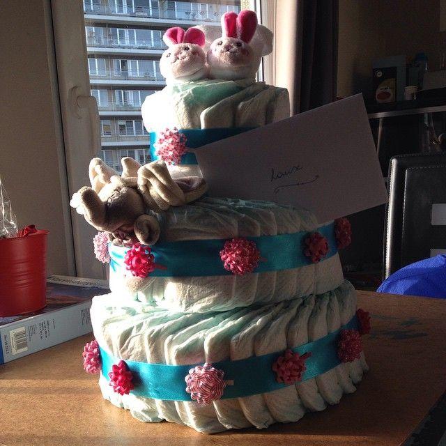 Orgineel cadeau voor een babyborrel. Luiers in hun orginele verpakking is maar saai. Zelf maken eenvoudig en snel!