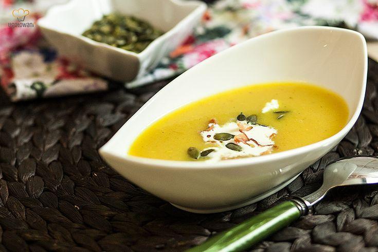 Jak zrobić zupę krem z cukinii? Wersja z boczkiem, dietetyczna