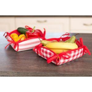 Checkered accent in the kitchen. #dekoriapl #red #checkered #accent #kitchen #details #dinningroom #inspirations #spirng #decorations