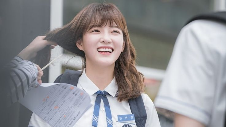 """School 2017"" Director Explains Why He Chose To Cast Kim Sejeong 