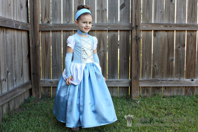 Cinderella Dress – Halloween Costume | Make It and Love It www.makeit-loveit.com