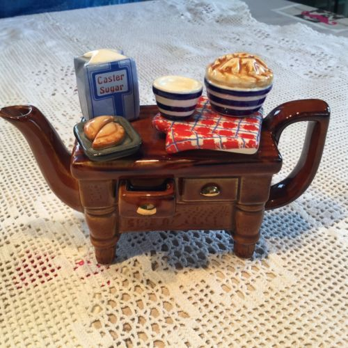 Paul-Cardew-Baking-Day-Kitchen-One-Cup-Teapot-Collectors-Item