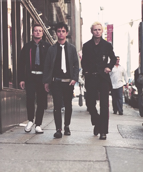 We walk this empty street on the boulevard of broken dreams!