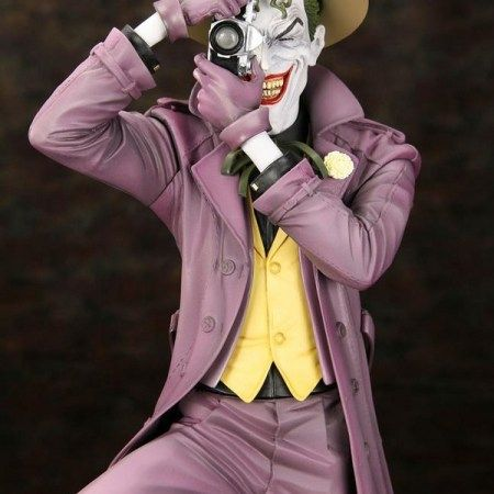 A Kotobukiya Japanese import! With plenty of Batman statues released over the years, Gotham city's most evil is out to take revenge on the world. Joining the ranks of such greats as The Dark Knight Returns Batman vs. Joker is another classic Batman story come to life in Batman The Killing Joke