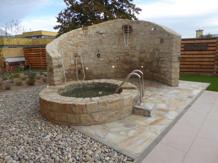 Tauchbecken: Außendusche Und Tauchbecken In Sauna Anlage. Pflegeleichte