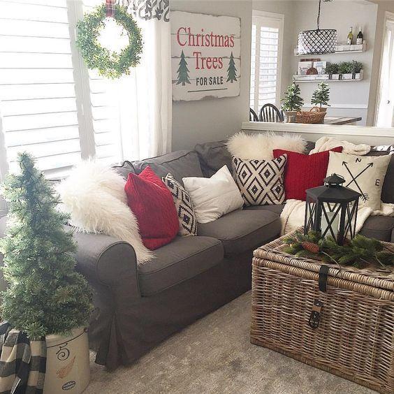14 Wunderbare Weihnachtsdekoration für ein helles und heiliges Wohnzimmer
