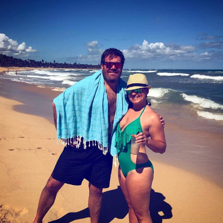 After all that snow, one of Jennifer's Hama's Abant limited edition pestemal caught sunning in Punta Cana, Dominican Republic. (thanks for sharing the photo Mike) #jennifershamam #pestamel #organic #cotton #DomincanRepublic #beach #towel