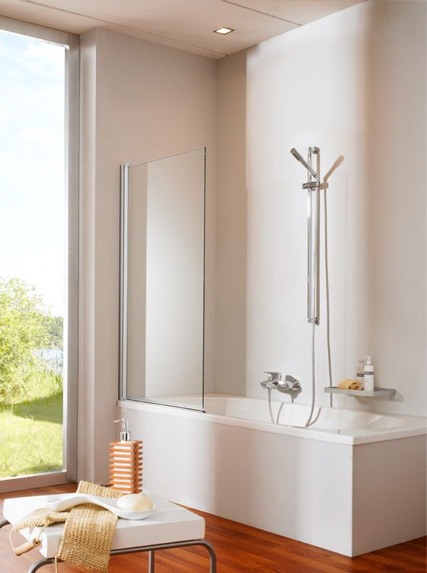 Heb je beperkte ruimte in je #badkamer en kun je niet kiezen tussen een #bad en een #douche? Overweeg dan een bad met douchegedeelte. Op die manier kun je badderen én douche. Lees meer op onze blog door op de afbeelding te klikken.
